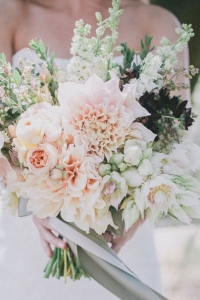neutral_bouquet_33