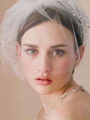 pajetki-i-blestki-v-oformlenii-svadby-40