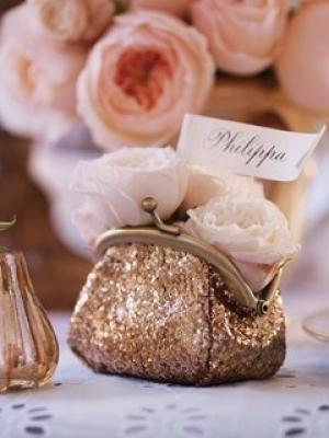 pajetki-i-blestki-v-oformlenii-svadby-56