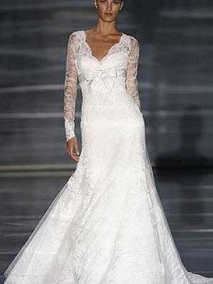 Платье свадебное с рукавом