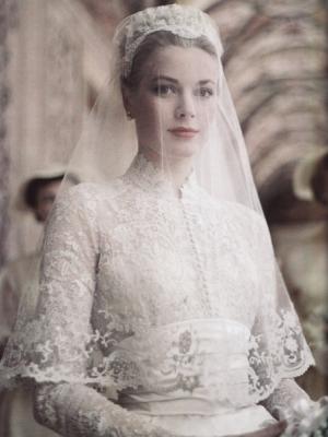 svadebnie-platia-s-rukavami-29