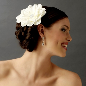 bridal_hair_flowers