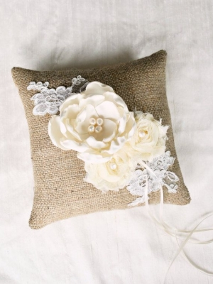 ring_pillow_35