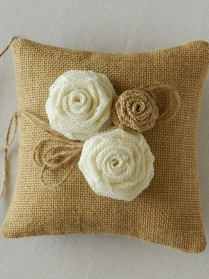 ring_pillow_37