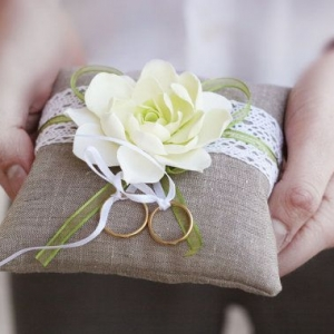 ring_pillow_09