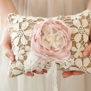 ring_pillow_32