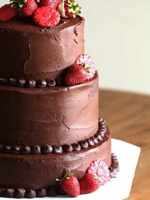 shokoladniy-svadebniy-tort-0025