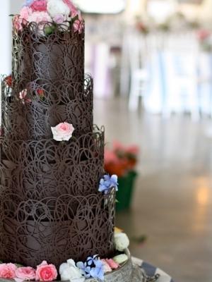 shokoladniy-svadebniy-tort-0047