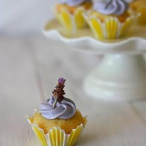 svadba-limon-lavanda-cupcake-02