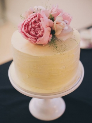 small_wedding_cake_12