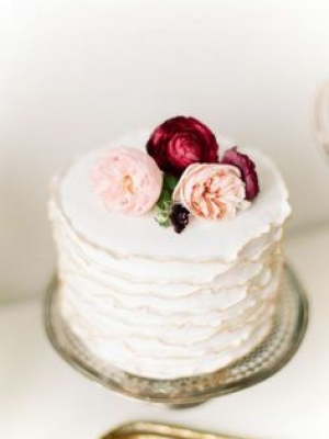 small_wedding_cake_25