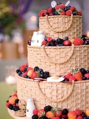 svadebniy-tort-s-yagodami-0002