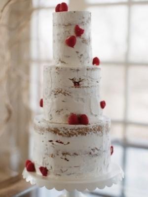 svadebniy-tort-s-yagodami-0025