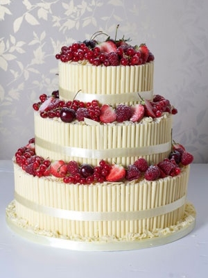 svadebniy-tort-s-yagodami-0032