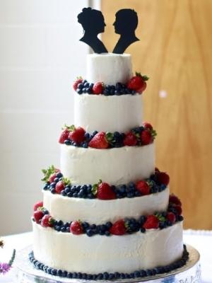 svadebniy-tort-s-yagodami-0040