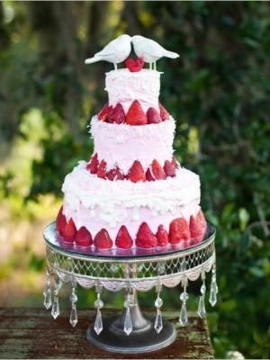 svadebniy-tort-s-yagodami-0043