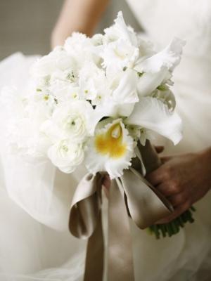 svadebnyj-buket-iz-orhidej-25