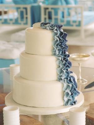 svadebniy-tort-goluboy-0001