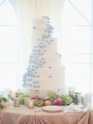svadebniy-tort-goluboy-0033