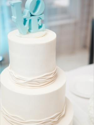svadebniy-tort-goluboy-0042