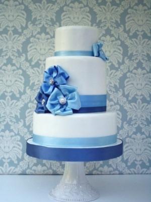 svadebniy-tort-goluboy-0045