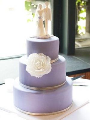 svadebnii-tort-sirenevii-fioletovii-14