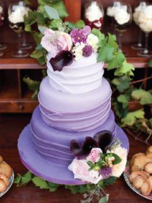 svadebnii-tort-sirenevii-fioletovii-25