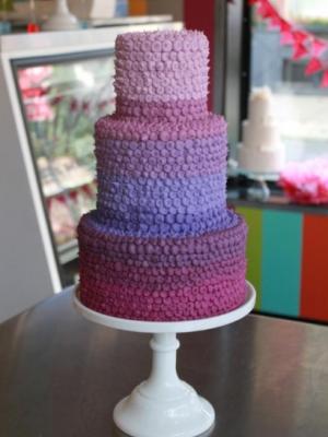 svadebnii-tort-sirenevii-fioletovii-28