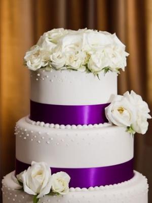 svadebnii-tort-sirenevii-fioletovii-37