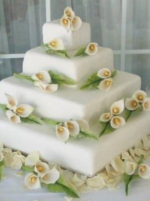 svadebnie-torti-v-zelenom-cvete-28