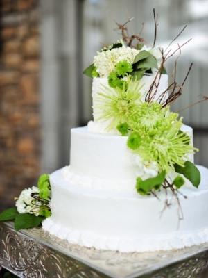 svadebnie-torti-v-zelenom-cvete-29