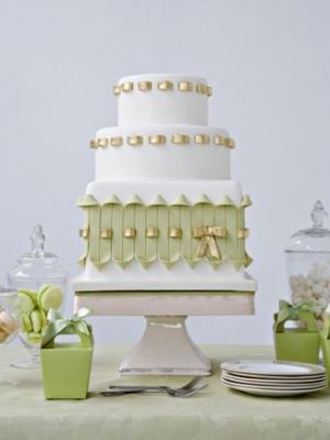 svadebnie-torti-v-zelenom-cvete-40