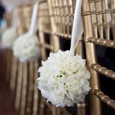 ukrashenie-stuliev-dlya-svadbi-cveti-10