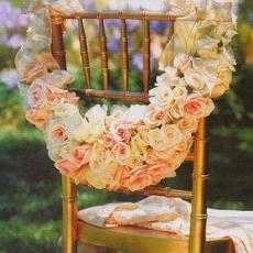 ukrashenie-stuliev-dlya-svadbi-cveti-12