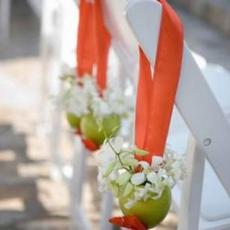 ukrashenie-stuliev-dlya-svadbi-cveti-3