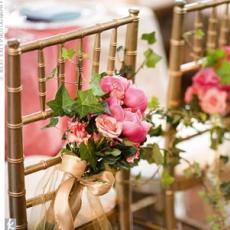 ukrashenie-stuliev-dlya-svadbi-cveti-4
