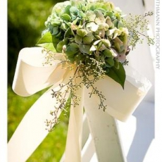 ukrashenie-stuliev-dlya-svadbi-cveti-8