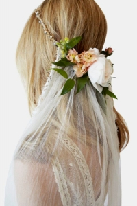 veil_and_flowers_with_hoop-2