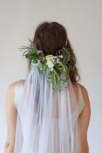 veil_and_flowers_with_hoop-3