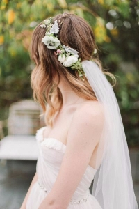 veil_and_flowers_with_hoop-6