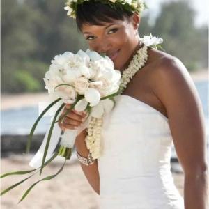 white-cym-orhcid-bouquet