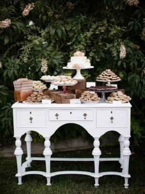 vintage_dessert_table_30