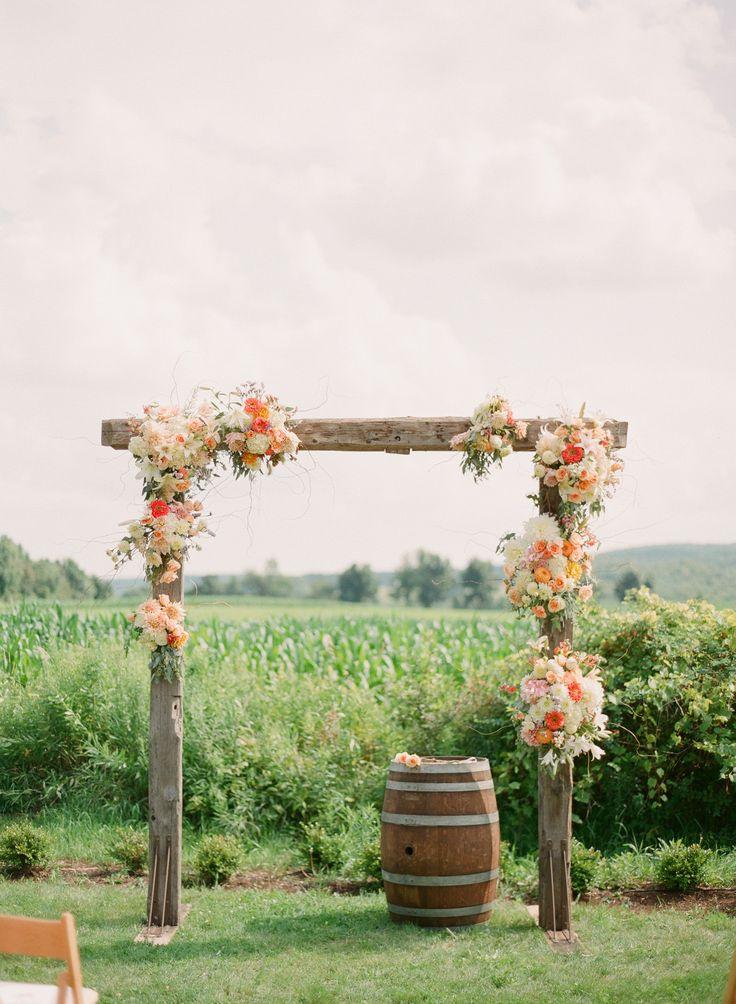 Деревянная арка для свадьбы