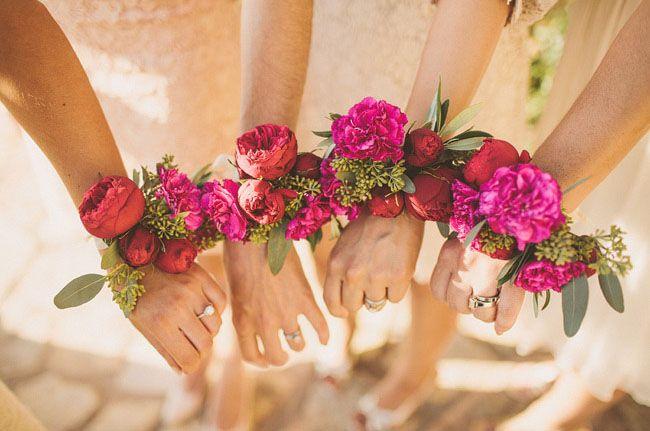 Бутоньерки на руку на свадьбу своими руками