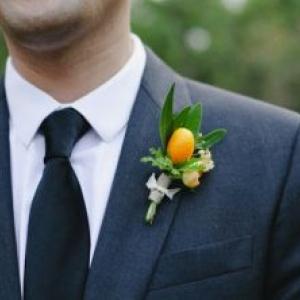 unique-grooms-boutonniere-citrus-details__teaser