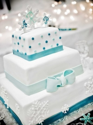 zimniy-svadebniy-tort-0002