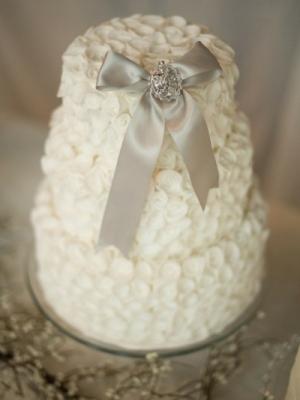 zimniy-svadebniy-tort-0015