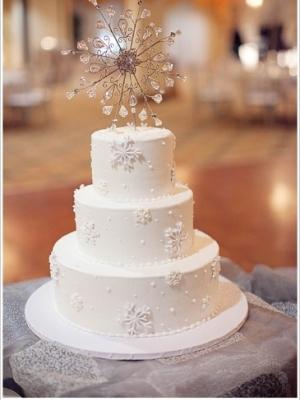 zimniy-svadebniy-tort-0032