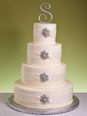 zimniy-svadebniy-tort-0034