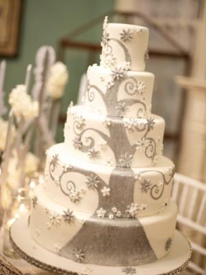zimniy-svadebniy-tort-0036